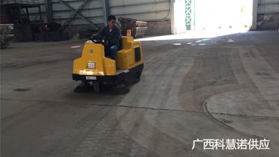 防城港板材厂用科慧诺供应扫地车清扫除尘视频