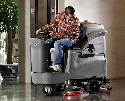 GM110BT85洗地车